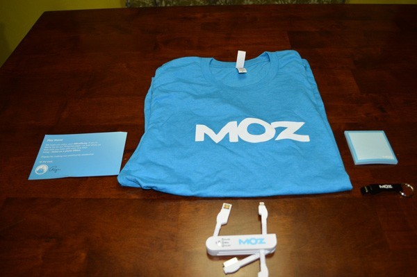 Moz Shirt and USB Charger
