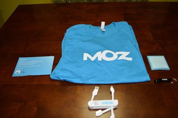 Moz Shirt and USB Charger